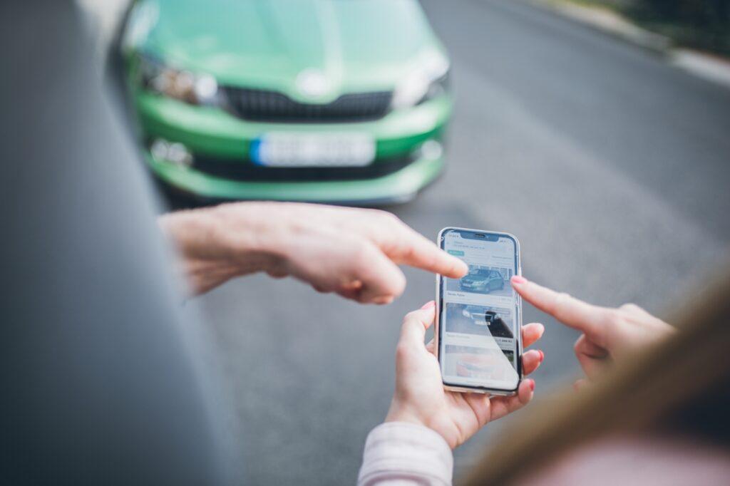 Pronájem auta přes aplikaci