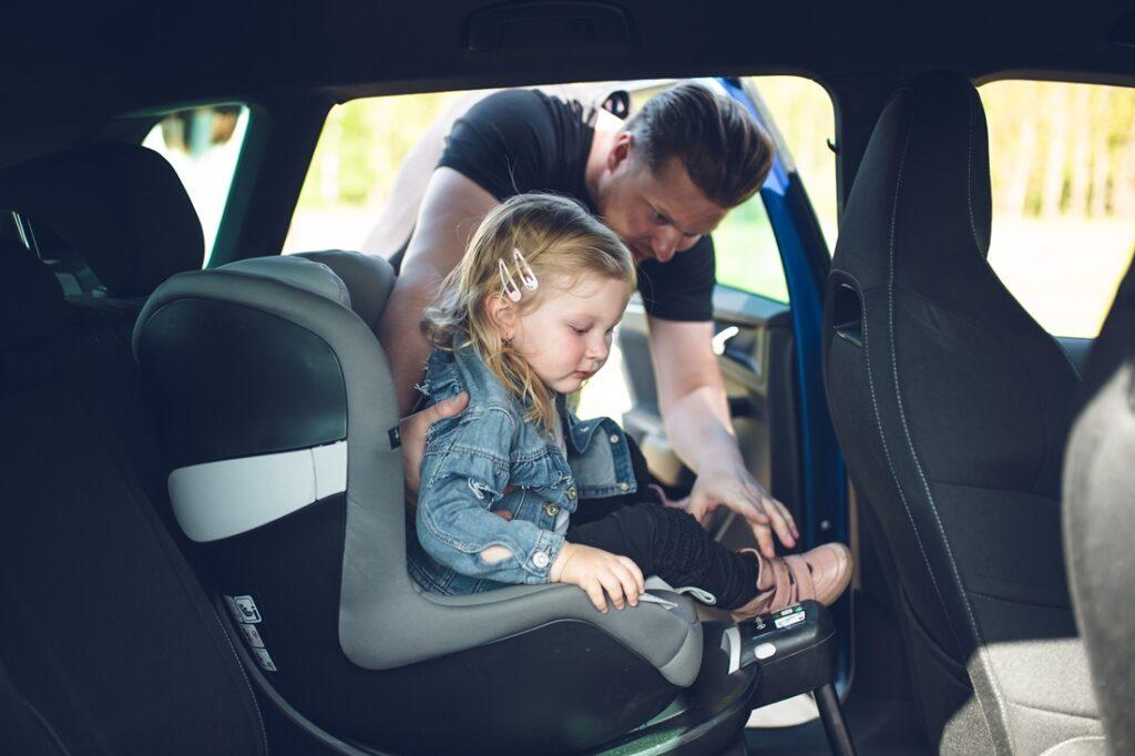 Pronájem auta na cestu s dětmi