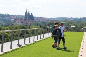 Pronájem auta na výlet do Prahy