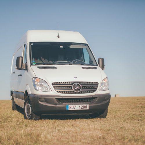 Obytný Mercedes Sprinter k zapůjčení na platformě HoppyGo